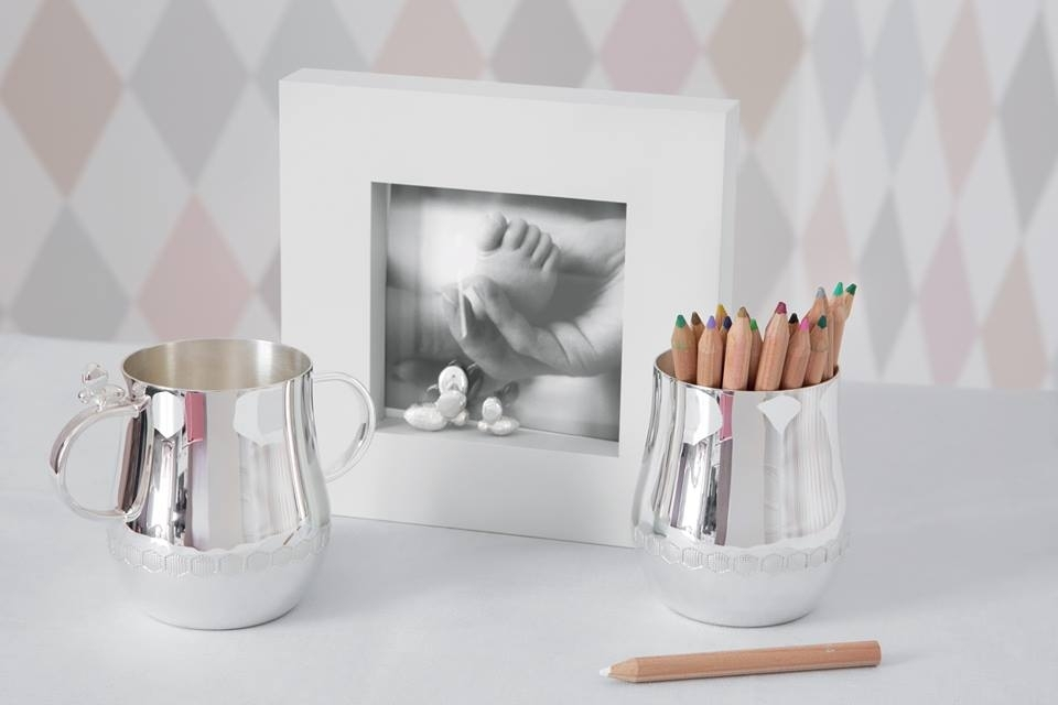 Painted wood and silver plated picture frame and baby cups BEEBEE
